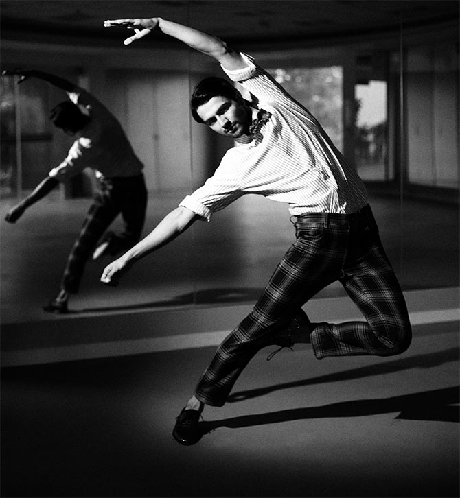 Men Ballet Apparel, Mens Ballet Tights Amazon, Men's Ballet Gear, Gay Ballet group, Men's Health Ballet Workout, Men Ballet Dancers India, Men's Ballet Shoes
