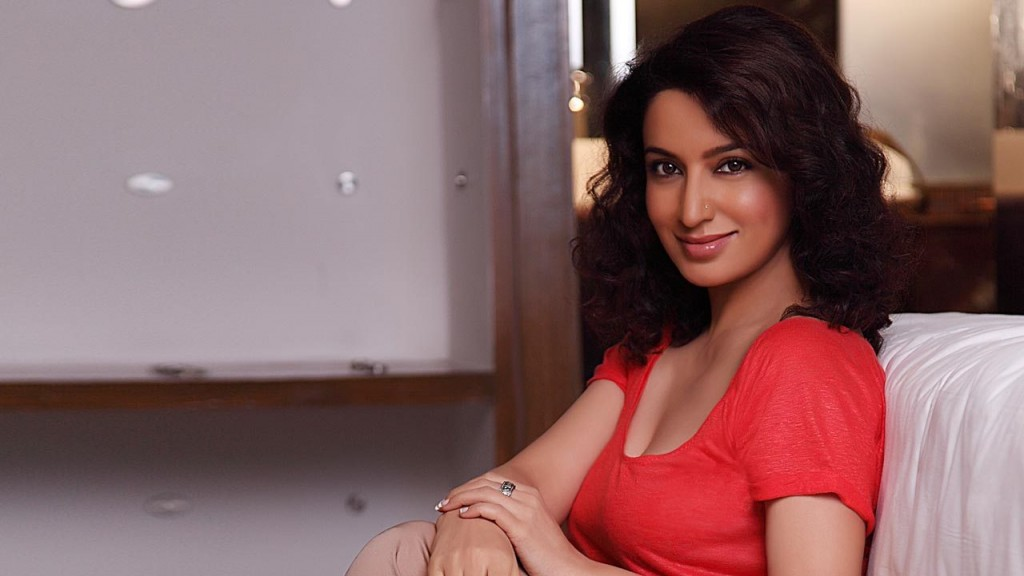 Tisca Chopra, Tisca Chopra Hot Pictures, Hot Indian Celebrities, Mens Fashion Blogs, Bollywood Update