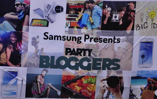 Samsung party bloggers meet, samsung bloggers, samsung party bloggers, underdogg, samsung underdogg, delhi events, stylerug, indain bloggers, best indian bloggers, best bloggers india, sandeep verma, stylerug, www.stylerug.net