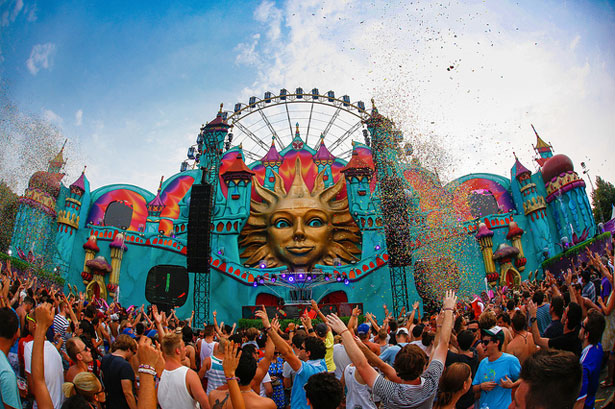 Tomorrowland 2014, Tomorrowland Details, TOmorrowland 2014 Lineup, How To Go TO TOmorrowland, Travel Tips, StyleRug, Top Fashion Blogs