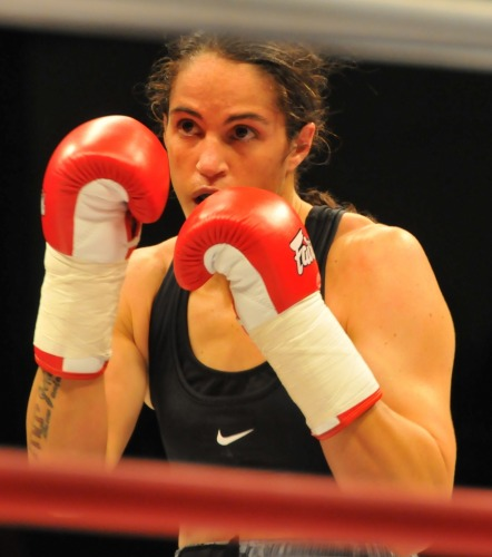 top five female boxers, best 5 good looking female boxers, best looking female boxers of the world, fitness articles , top 5 female boxers, female boxers, Lauryn Eagle, Cecilia Comunales, Jennifer Salinas, Kina Malpartida, zulina munoz