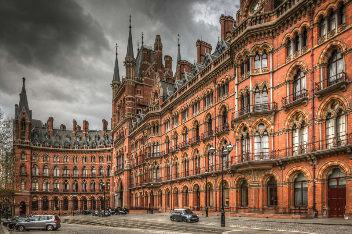5 of the most gorgeous railway stations of the world