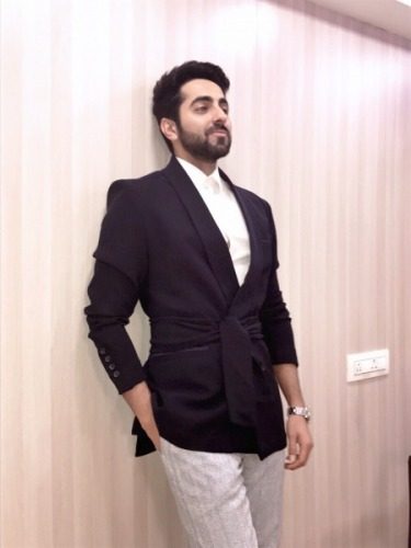 Men's Fashion, Ayushmann Khurrana, Virat Kohli, ShahRukh Khan, StyleRug, Bollywood Fashion, Bollywood News, Mens Style Blog, Men's Fashion Blogs, Mens Fashion Bloggers, Mens Grooming, Mens Style, Bollywood Updates, Inspiring Men, Fashion Motivations
