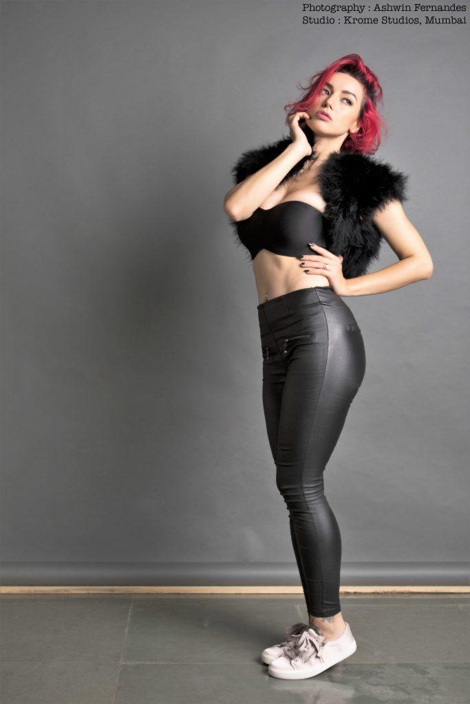 Olly Esse, Female DJs India, Hot Models India, Hot Models Pics India, Stylerug, Virat Kohli, Shah Rukh Khan, Best Djanes India, Best Female DJs, Mens Fashion Blog, Eye Candy, Best Models India