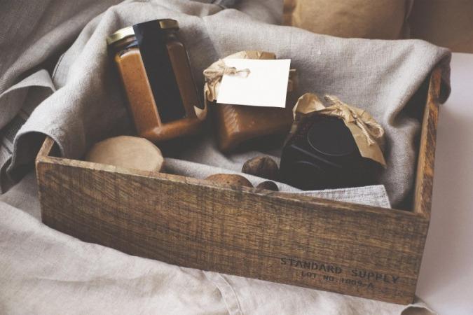 Valentine's Day, Valentine's Day Gift Idea, Valentine's Day Gifting Options, Stylerug, Virat Kohli, Anushka Sharma, Best Fashion Blogs India