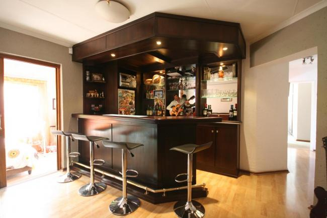 Home Decor, Office Decor, Men's Style, Men's Style Blog, Virat Kohli, Shah Rukh Khan, Best Travel Blogs India, Travel Bloggers India, Delhi Bloggers