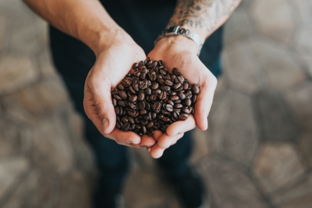 coffee tips for beginners, coffee tips and facts, coffee tipsy bartender, coffee tips for skin, coffee tips and tricks, Virat Kohli, Priyanka Chakraborty, Stylerug, Best food blogs india, Best fashion blogs india, Best travel blogs india