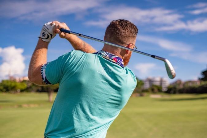 Virat Kohli, Virat Kohli fashion Pictures, Anushka Sharma, Sports EDquipments, Golf Equipments, Stylerug, best Style Blog India, Style Blogs For Men, mens Grooming, Best Golf Iron, How To Play Golf, Golf Clubs India, Golf Clubs, Sports News