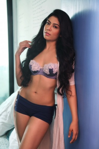 Anuritta Jha, Bollywood Celebrities, Gangs Of Wasseypur, Hot Babes, Bikini Babes, Bikini Models, StyleRug Models, Celebrity Gossip, Eye Candy, Babes To Like