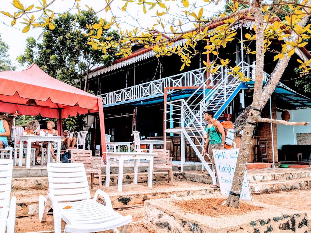 Sri Lanka, Sri Lanka Tourism, Sri Lanka Beaches, Colombo Beaches, Mirissa Beaches, Turtles in Sri Lanka, Elephant Orphanage, Traveling to Sri Lanka, Sri Lanka Tickets, Booking.com, Vrat Kohli. Priyanka Chakraborty